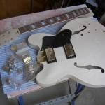 Kit de la guitarra tras sacarlo del embalaje